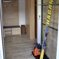 Vorraum mit Skiständer - Ferienhaus Nagelschmied - Radstadt